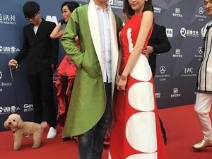 王心凌愛美不怕摔 穿戰袍赴北京電影節