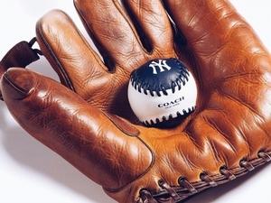 獻給為棒球而生的男人!COACH X MLB推出聯名系列