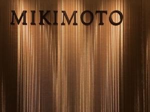 MIKIMOTO台北晶華全新概念店 小S蛇腰弄珠