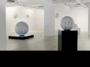 銀針探索與永恆: Carol Prusa第二次台灣個展 Infinite Cosmos
