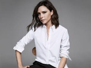 下一季最想買聯名已出現!時尚女王維多利亞貝克漢X Target推出超平價單品