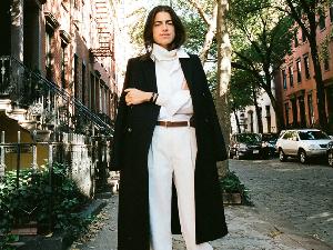 想要被讚美「這人超會穿」的形象,快學時尚部落客Leandra Medine這樣搭
