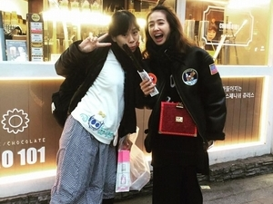 首爾街頭直擊蔡依林!賣萌耍俏皮粉絲直呼呸姐「蔡少女」
