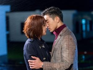 劉奕兒「濕吻」張立昂 讚嘴唇像暖暖包