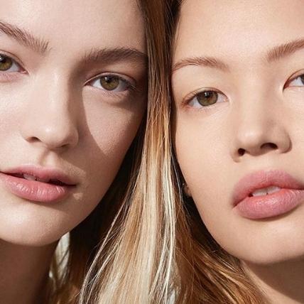 大驚!讓臉蛋快速恢復元氣的彩妝神物不是唇膏、不是腮紅,而是…