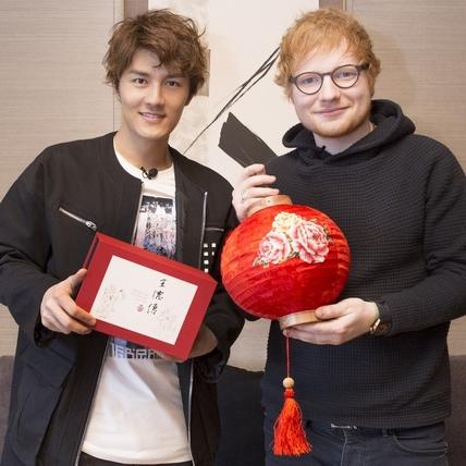 吳克群東京會英國才子 讚紅髮艾德「就勾錐」