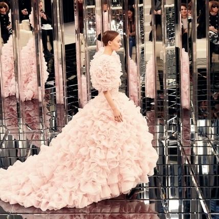 Chanel鏡像中的身影  2017春夏高級訂製服時裝周報導