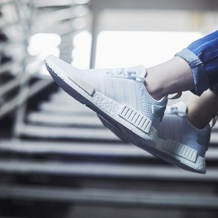 會搶破頭都是因為它!adidas Originals NMD XR1、R1暗黑版本正出沒