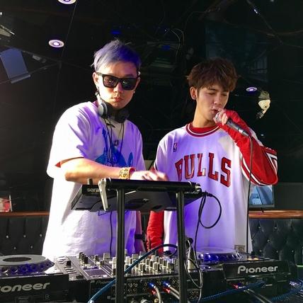 鼓鼓「遊艇DJ秀」嗨爆大港 宇宙人攜手血肉果汁機玩惡搞