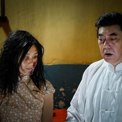 香港女星凌晨勇闖亂葬崗    爛臉扮鬼遭毀容