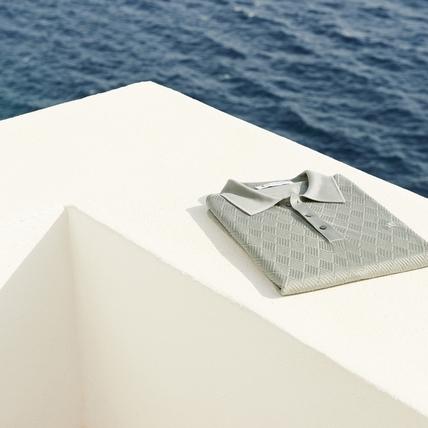 運動輕涼裝「亮絲衫」上陣,微機能排汗時尚又涼爽!