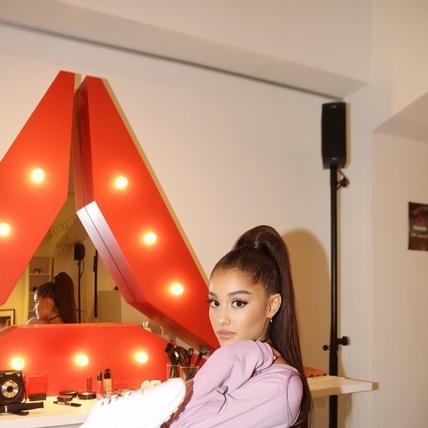 穿過潮流心臟的性感女神!人氣新天后Ariana Grande成為Reebok全球代言人