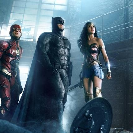 蝙蝠俠難得搞笑 「正義聯盟」英雄齊聚嗨翻小班