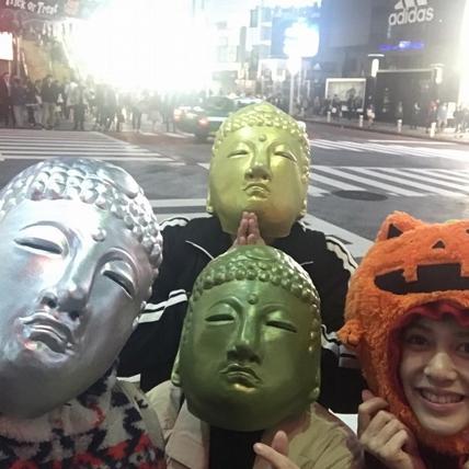 劉奕兒東京影展甜秀日文 扮俏皮南瓜狂被搭訕