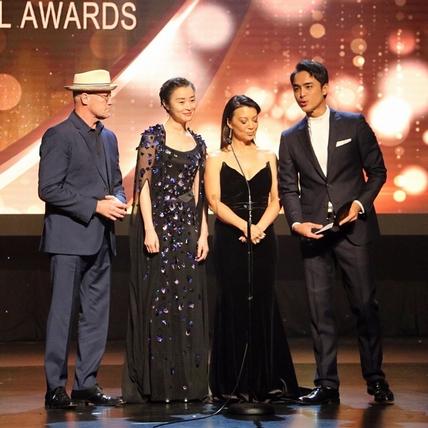 明道與「勇度」一同頒獎 將聯手好萊塢團隊拍片
