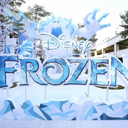 Elsa的冰晶聖誕樹1:1降臨台灣!雪寶行動電源、捲線器,「冰雪奇緣嘉年華」讓你美夢成真