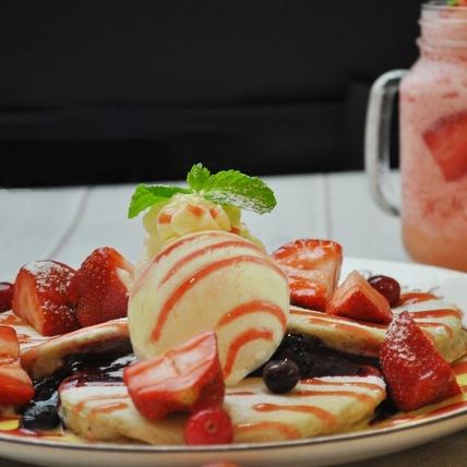 終於等到草莓的季節!九州鬆餅推出草莓控絕不能錯過的「夢幻草莓派對」