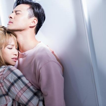 袁詠琳、孫其君情不自禁 疑趁亂偷親被抓包