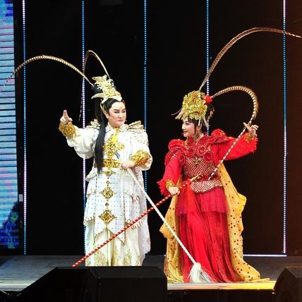 《紅白》吸睛356萬人圍爐 楊麗花歌仔戲3.77居冠