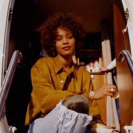 惠妮休斯頓紀錄片坎城首映 驚爆幼時遭歌手表姊性虐