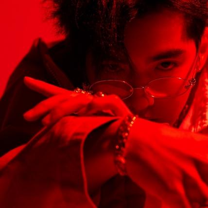 吳亦凡創告示牌百大單曲紀錄 中文新曲超勵志