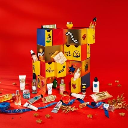 歐舒丹 2018聖誕節 倒數月曆 登場!乳油木護手霜、蠟菊賦活極萃油、草本洗髮精、櫻花香皂等等,女生最愛的明星商品都在這個魔術方塊裡面了!