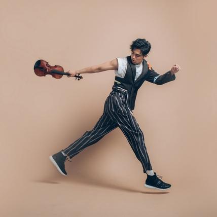 最帥提琴手棄耶魯闖樂壇 張菲厚愛三度邀請上節目