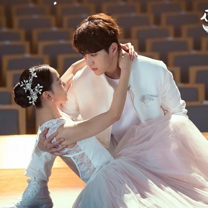 金明洙新劇化身闖禍天使 允諾收視破23%跳芭蕾