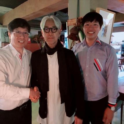 蔣榮宗偶遇坂本龍一進貢101站配樂 「最靠近好萊塢」獨鍾南加大