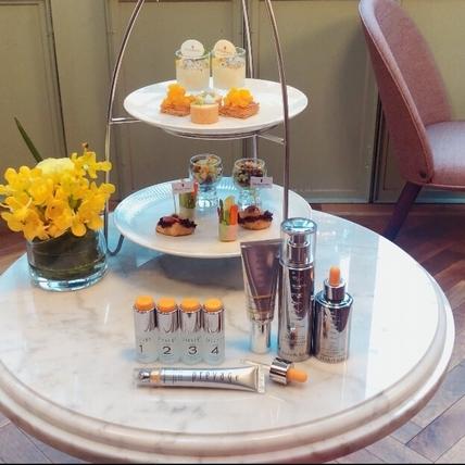 伊麗莎白雅頓首度攜手山蘭居,跨界合作橘色奇蹟下午茶,尤其是橙橘果汁不加一滴水,一喝就愛上