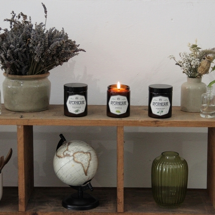 出門可以帶的香氛蠟燭,La Belle Mèche琥珀加蓋瓶身,解壓妳每一段的旅行