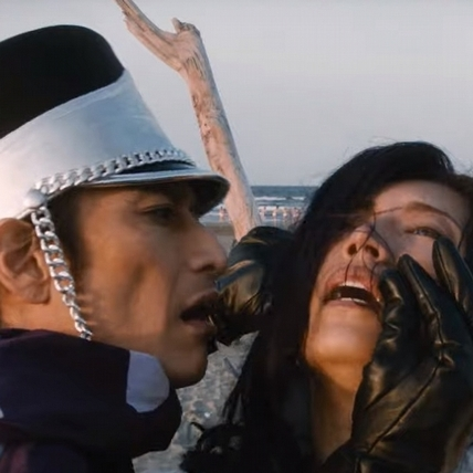 Gackt被男星來回舔奶「好基情」 巨星參戰《飛翔吧!埼玉》影迷驚呼:「必須跪著看!」
