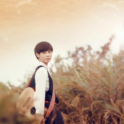 魏嘉瑩為失戀歌迷寫情歌  拍MV漲潮受困海中