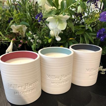 只有香水品牌Miller Harris辦得到,與倫敦花苑 McQueens Flowers聯名推出的蠟燭,真的聞到花瓣葉片的汁液味啊