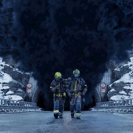 震驚全球災難事件改編! 《奪命隧道》油罐車自撞爆炸隧道成煉獄