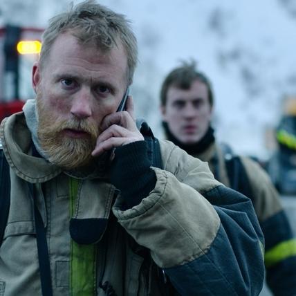 高溫、缺氧、濃煙密布挑戰意志力! 男星當救難隊直呼「3天就想放棄」