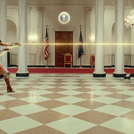 《神力女超人1984》最新預告曝光! 蓋兒加朵帥衝雲霄力拚反派豹女