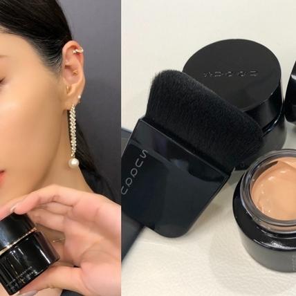 根本就是可以遮瑕的乳霜!全新SUQQU第三代粉霜讓底妝的光澤比做完臉更亮、更潤、更細緻!