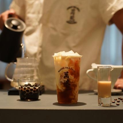 茶與咖啡的碰撞!萬波島嶼紅茶X咖啡冠軍 VWI by CHADWANG推出「波霸鴛鴦奶茶」絕對值得喝上整個冬天