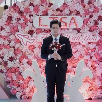 宥勝機場跳舞下跪求婚!林予晞甜讚「好浪漫」