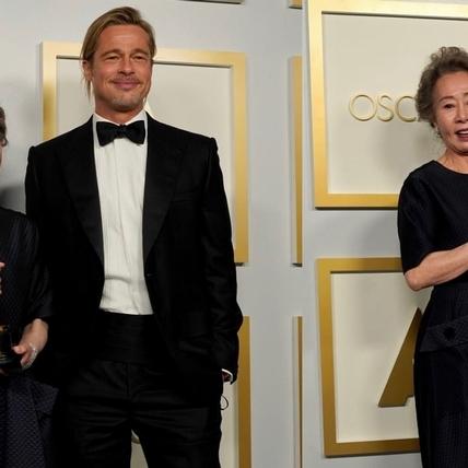 尹汝貞奪奧斯卡女配角成韓國第一人!謙稱運氣好、謝謝兒子的嘮叨