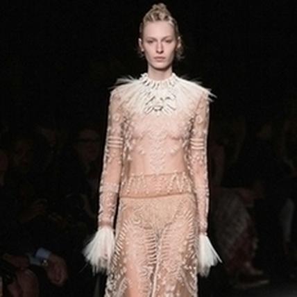 2016春夏巴黎時裝周:Valentino引領前進非洲