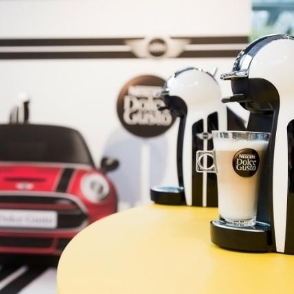 創意聯名 雀巢膠囊咖啡機與MINI跨界