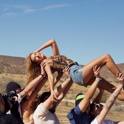 火辣男女看過來     H&M Loves Coachella即將引爆