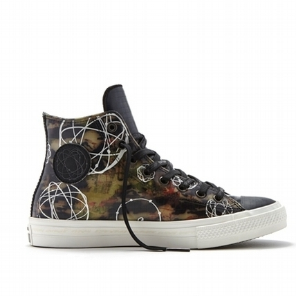 街頭塗鴉瘋上身    Converse Chuck Taylor All Star II登場
