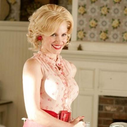 PORTER夏季版帶你認識,有內涵的女星Jessica Chastain