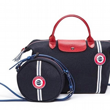 這色有點可愛!Longchamp七月推優雅Le Pliage Cocarde徽章新包
