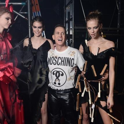 2016秋冬米蘭時裝周:Moschino  火燒伸展台