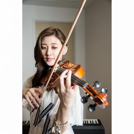 音樂才女林逸欣超認真才藝表演