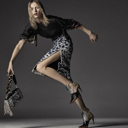 霸氣藏不住!澳洲超模Julia Nobis變身Dior女郎